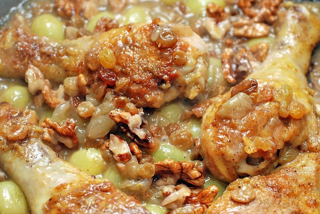 Отменная курочка с соусом из грецких орехов