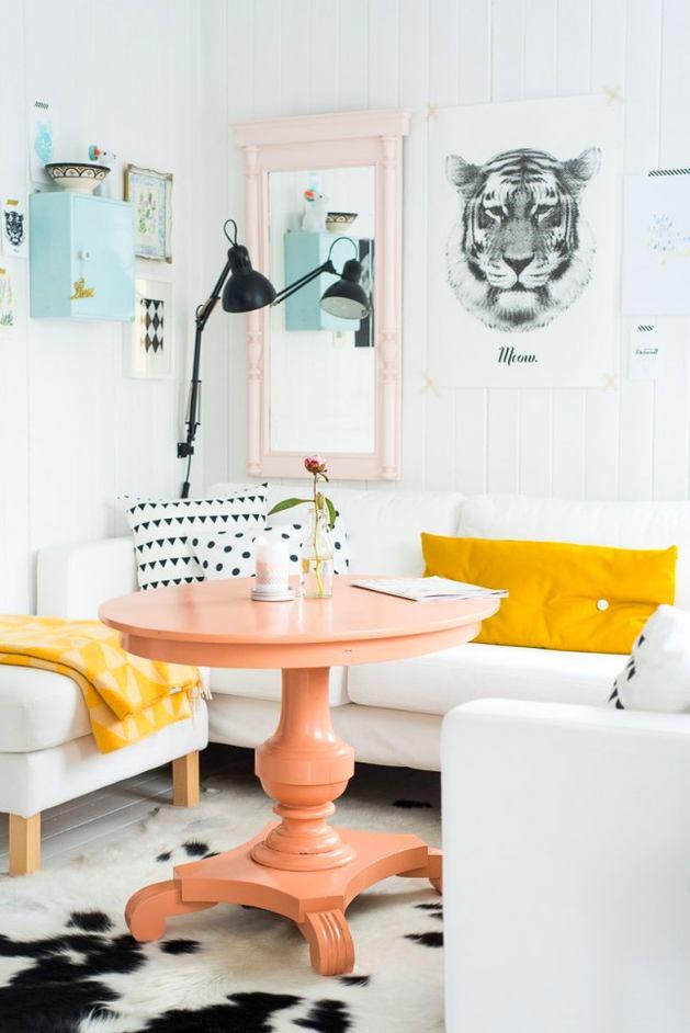 Кухня в цветах: желтый, черный, белый. Кухня в стилях: эклектика.