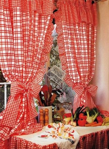 Шьем веселенькие кухонные занавески с воланами своими руками!
