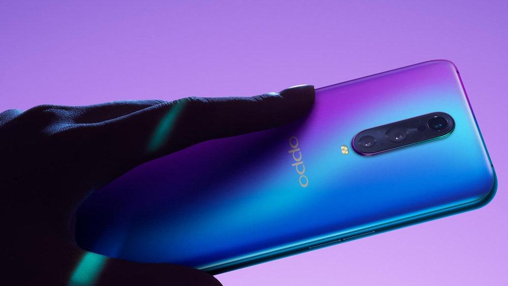 В России появился мощнейший китайский смартфон за 49990 рублей