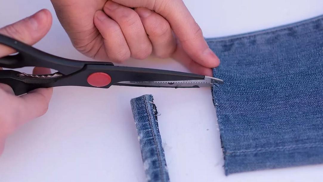Как правильно подшить джинсы… с сохранением фабричного шва!