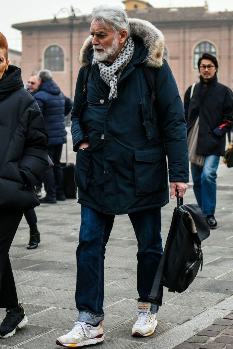 Сколько можно носить однотипные куртки? /Фото: otokomaeken.com