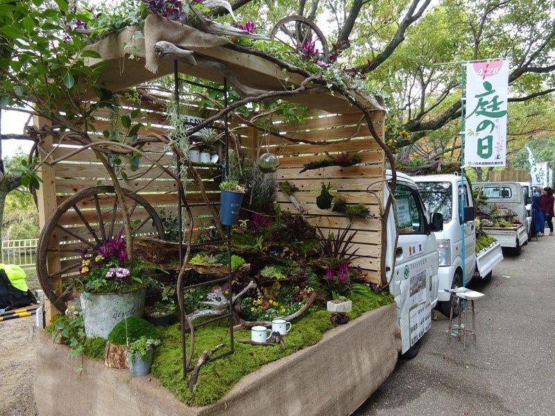 Японские мини-сады в кузове машины