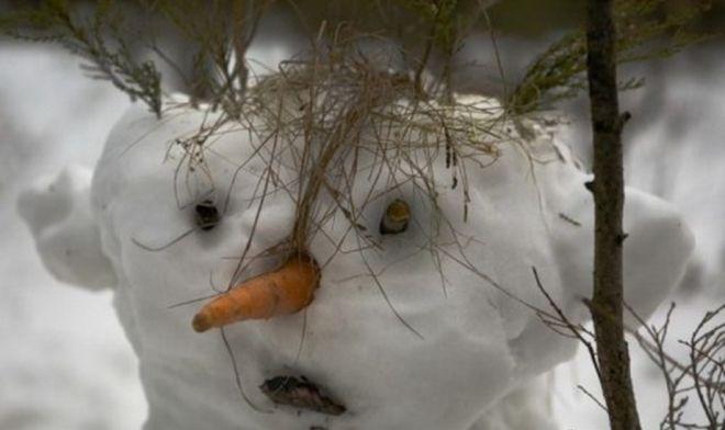 лепил снеговика