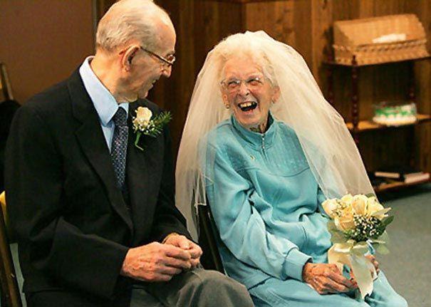 Бабушка моей знакомой выходит замуж. Вся её семья в шоке