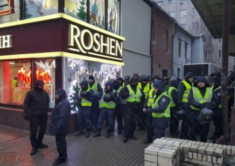 Забросаем врага конфетами: сторонники Порошенко выходят на Антимайдан. Пропуск – продукция «Рошен»