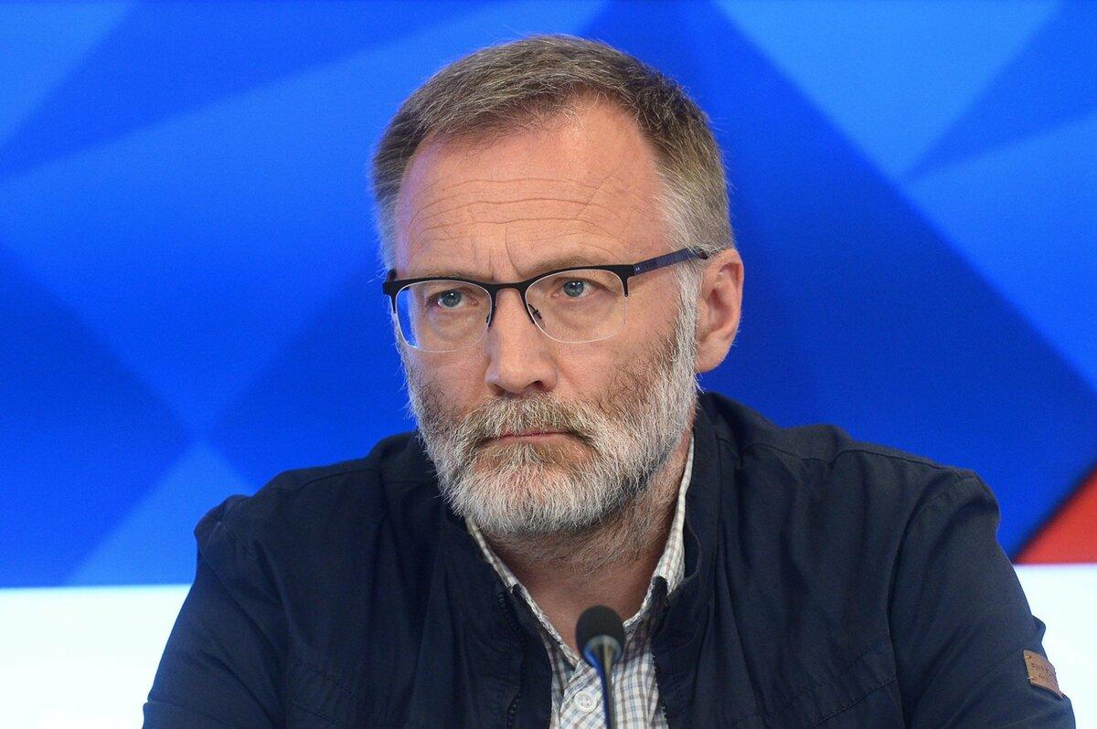 """""""Надо отмыть"""" перед… президентством? Михеев выдал неожиданную причину отставки Медведева"""