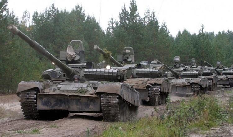 ВСУ перебросили более десятка танков к линии разграничения