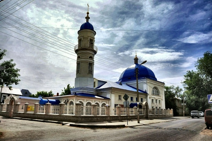 Астрахань - города Храмов и Мечетей. Знакомьтесь: Белая( Татарская) мечеть.