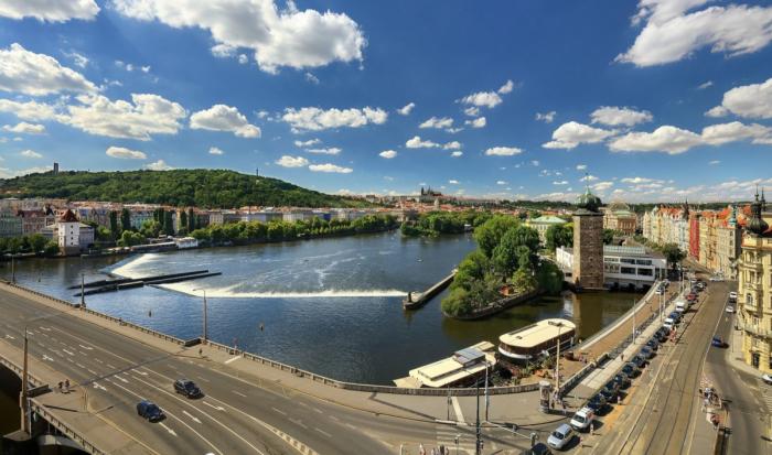 Танцующий дом в Праге: «Cумасшедший» проект, увековечивший память великих танцоров архитектура,достопримечательности,Прага,танцы