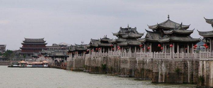 Древний плавающий мост Гуанцзы