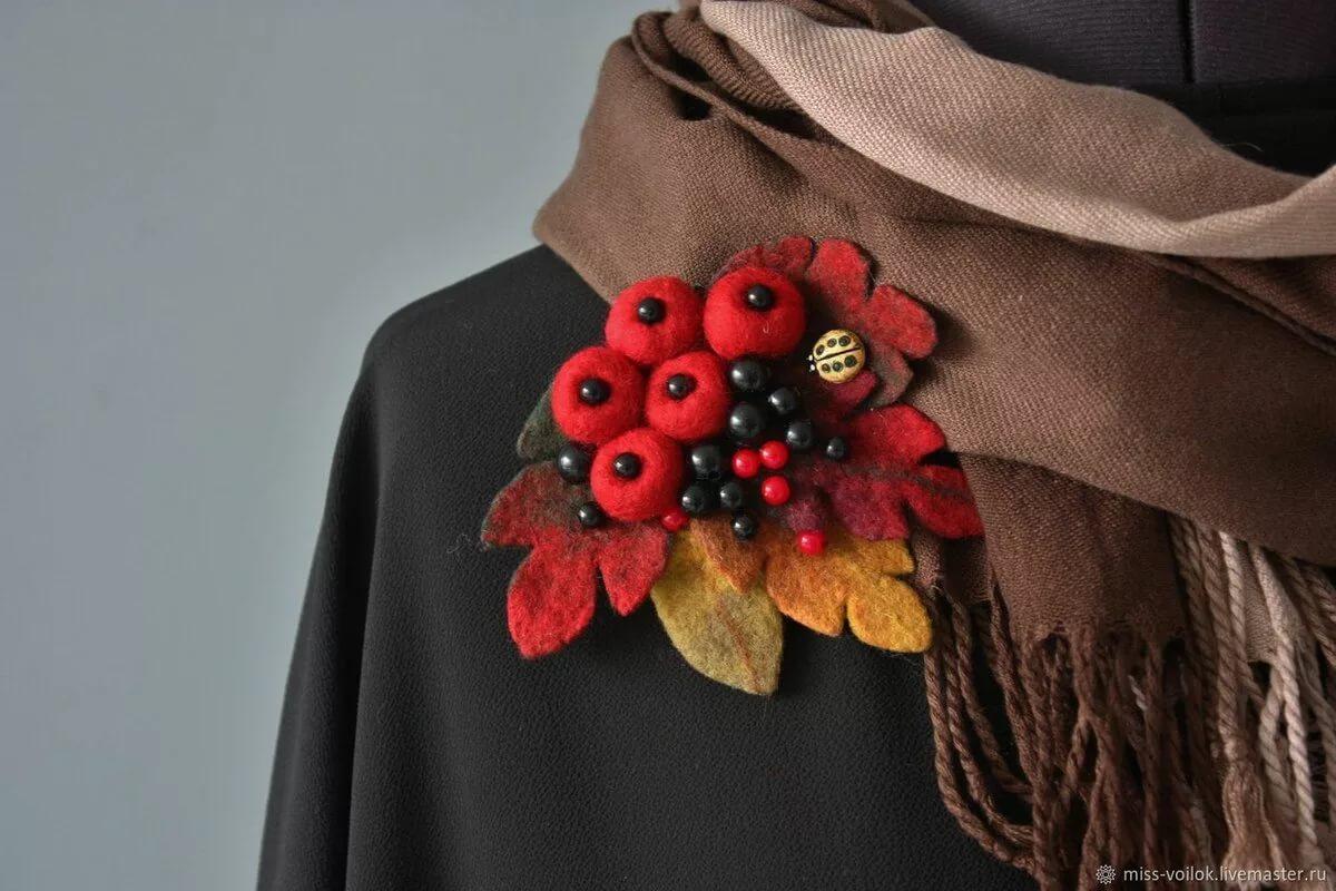 Яркие краски осени: броши с осенней тематикой