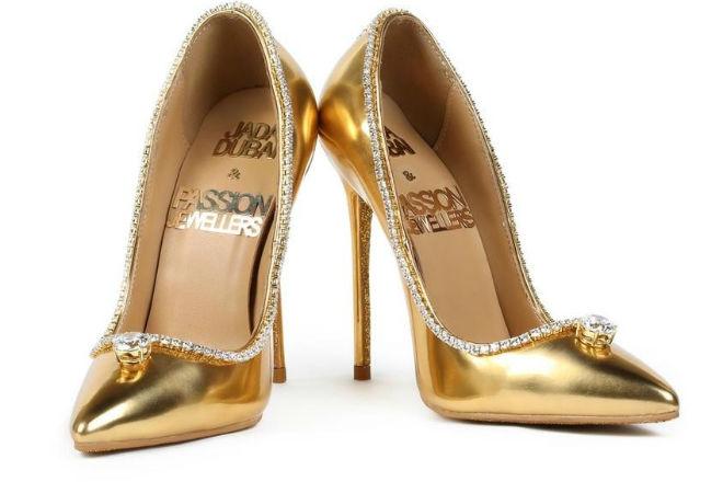 В Дубае показали самые дорогие в мире туфли из бриллиантов