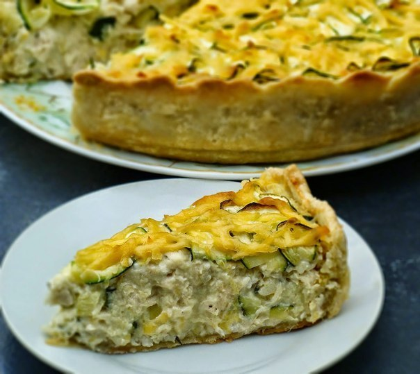 Пирог с курицей и цуккини: песочное хрустящее тесто в сочетании с творогом и сыром
