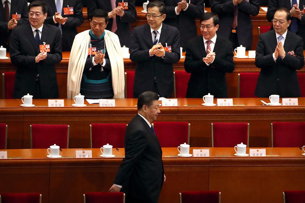 Си Цзиньпин меняет команду