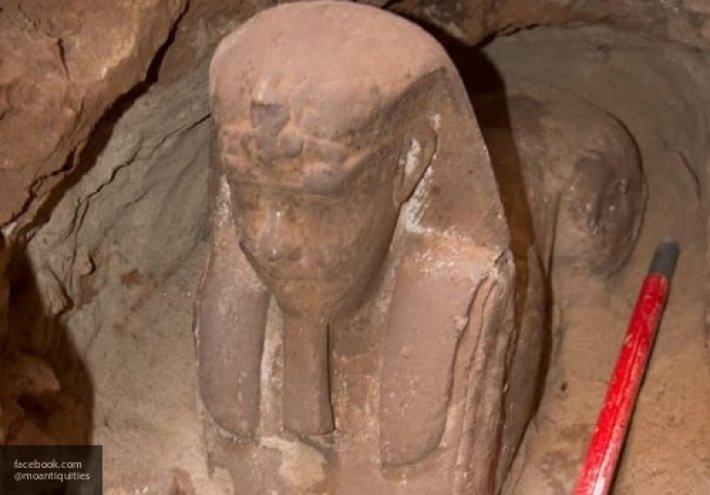 Археологи нашли в египетском храме сфинкса таинственное захоронение