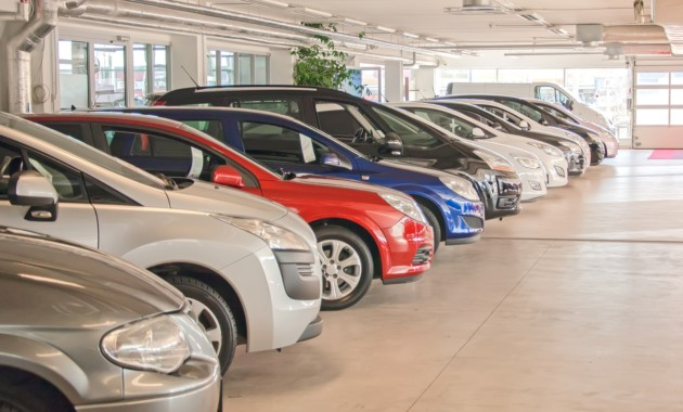 Россияне начали скупать автомобили
