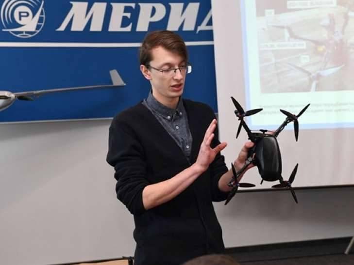 На Украине презентован первый военный дрон собственного производства оружие,украина