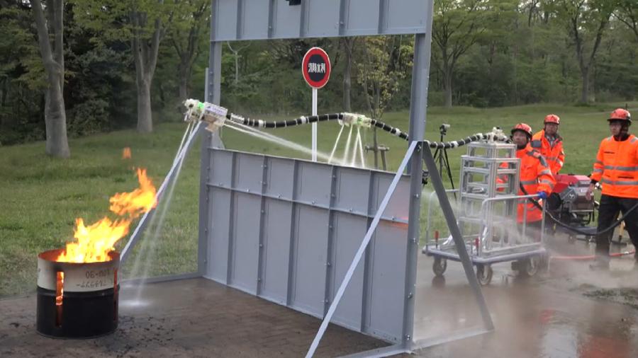 Ну и гаджеты: роботизированный пожарный шланг, персональная фабрика шампуней и зонт-квадрокоптер