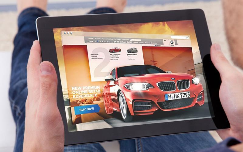 Более половины российских автовладельцев выбирают автомобиль по отзывам в Интернете