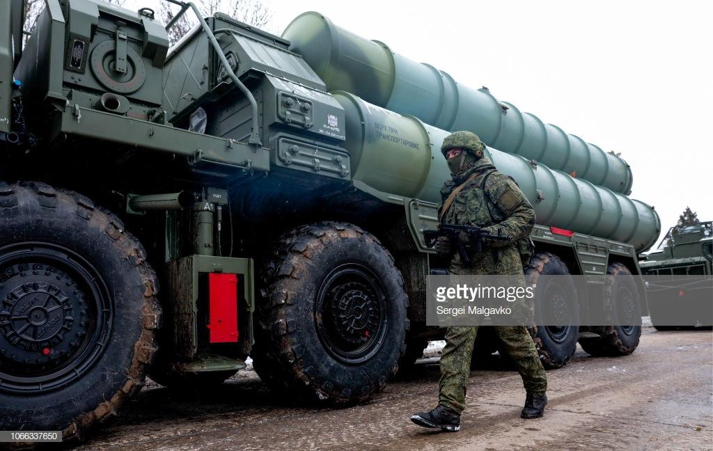 Украина объявила военное положение.