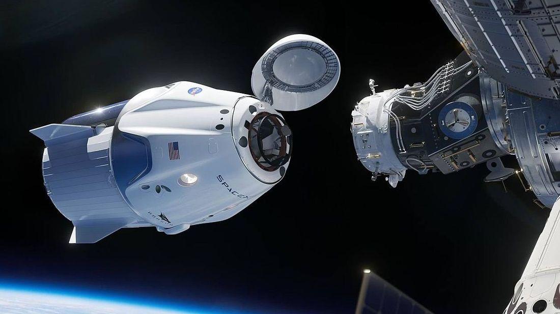 При стыковке с кораблем Dragon-2 на МКС сработала тревога