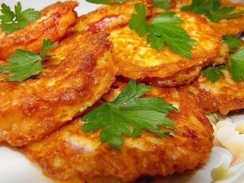 Эта простая закуска из помидоров и сыра покорит ваше сердце с первого кусочка!