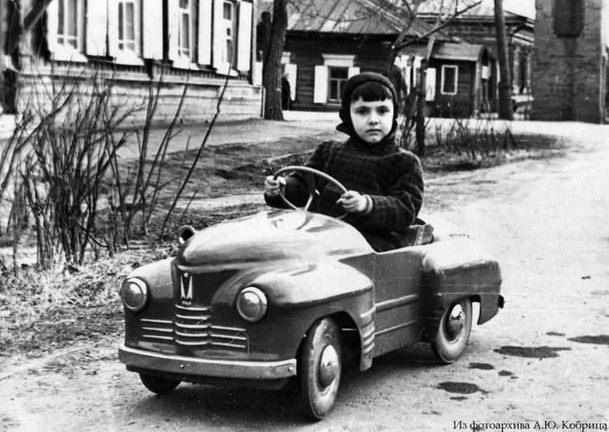 16 ламповых фото педальных автомобилей времен СССР машины,Россия