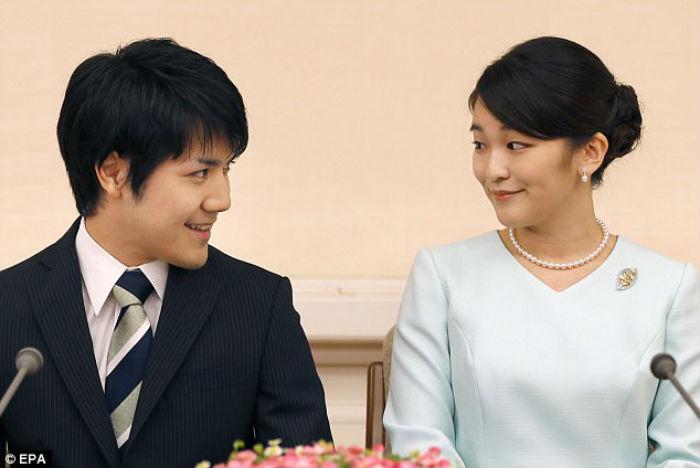 Японская принцесса отказывается от королевского статуса, чтобы выйти замуж за простолюдина