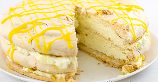 Идеальный меренговый торт с лимонный курдом