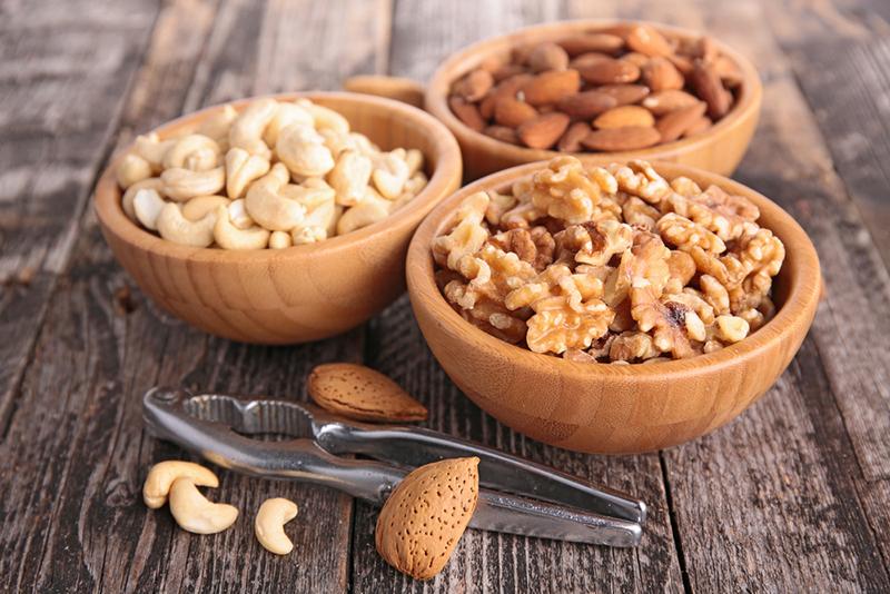 Орех ореху — рознь, поэтому их нужно уметь правильно есть