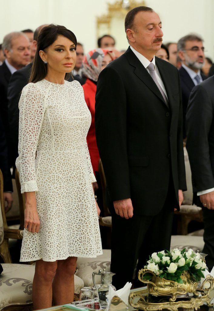 Она великолепна – первая леди Азербайджана красотой и стилем превзошла Меланию Трамп супер