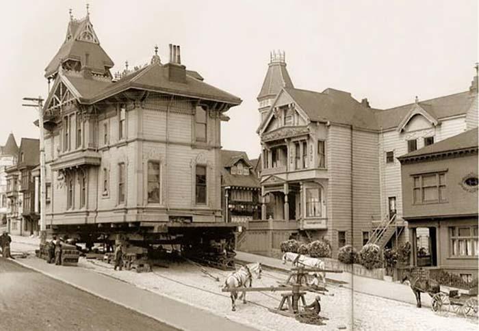 1908 год, передвижение дома с помощью лошадей в Сан-Франциско.