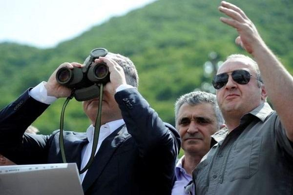 Порошенко отдал приказ захватить Азовское море