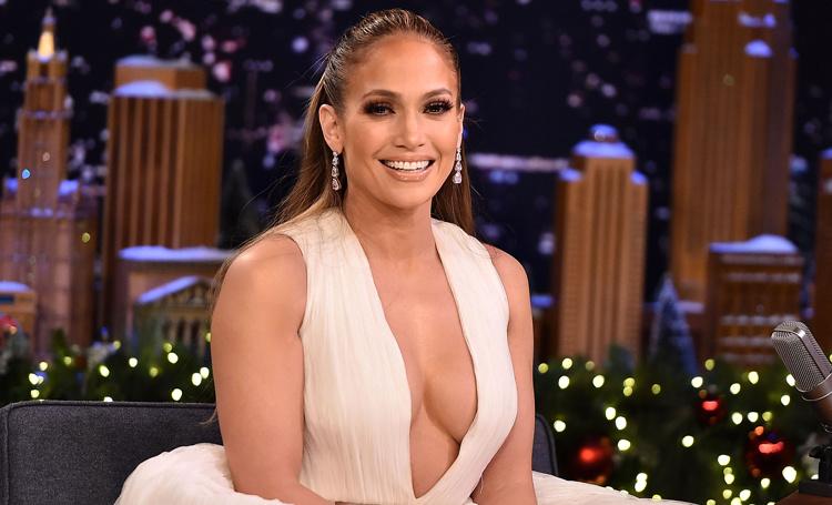 Дженнифер Лопес осваивает танцы на шесте для новой роли