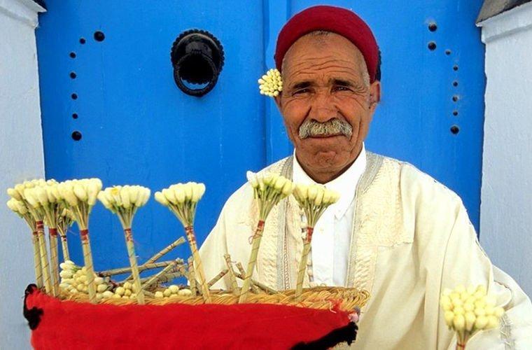 Они используют жасмин вместо обручального кольца в мире, люди, обычай, правила, русские, традиции, тунис, факты