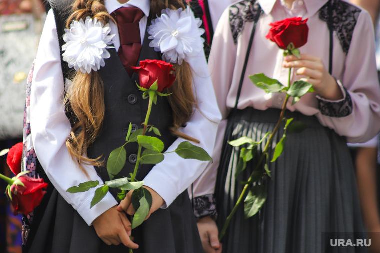 В Госдуме хотят начинать учебный год с 1 октября. Учителя боятся деградации школьников