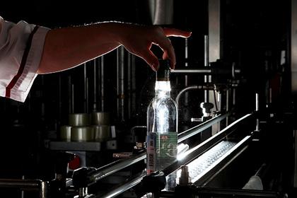 Без русской водки никуда: Украина покупает российский водочный завод