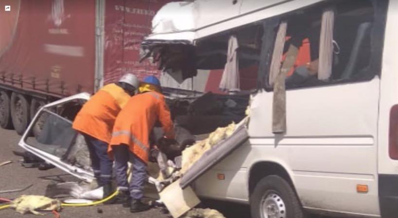 Крупное ДТП в Украине: погибли 10 и пострадали 11 человек