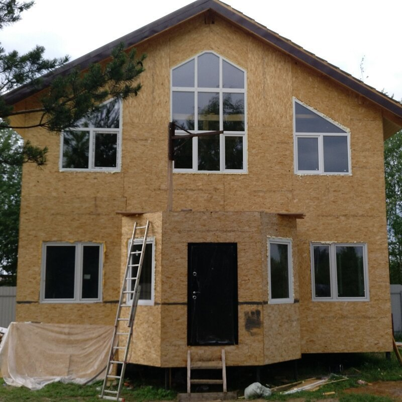 Поставили окна, на первый этаж брал б.у. Нестандартные пришлось заказывать. Обошлись в 60 000 р. дача, дом своими руками, строим сами