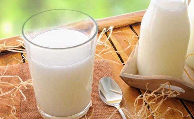 Употребление молока за завтр…