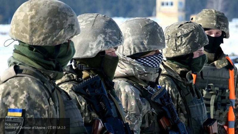 """""""Киеву нужно продлить военное положение"""": военный эксперт про доказательства подготовки ВСУ масштабного наступления в Донбассе"""
