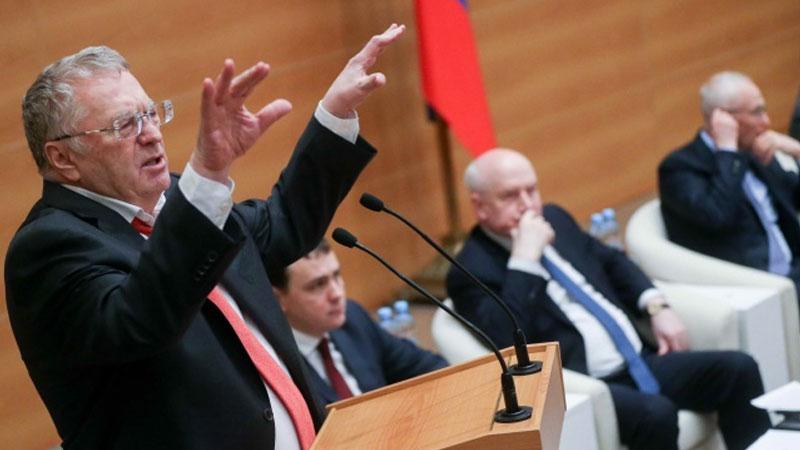 Смертная казнь, изгнание из Москвы «золотой молодежи» и «крепостные» из Азии: Жириновский выступил с «президентскими» инициативами.