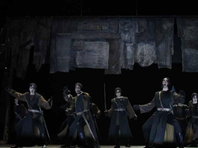 Зрители возмутились постановкой Шекспира, где дочь короля насилуют на сцене
