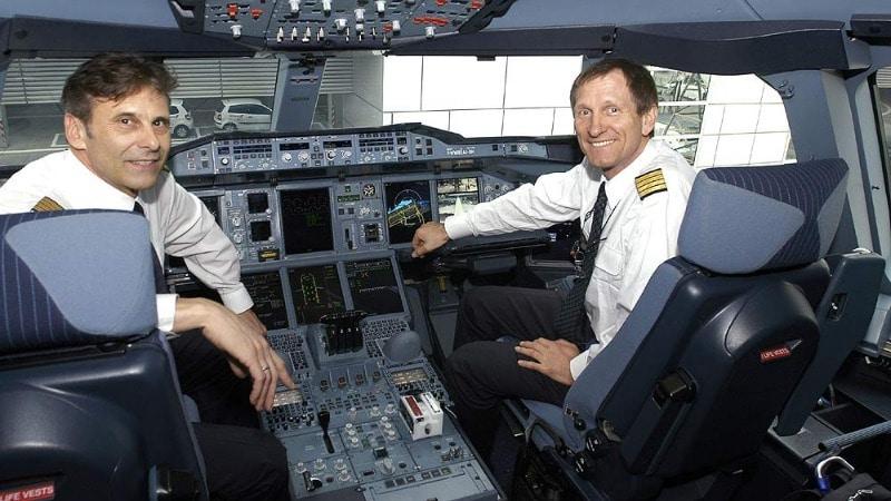 чьо нужнл чтобы стать пилотом
