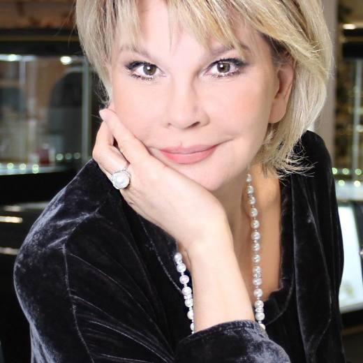 Татьяна Веденеева прожила 15 лет в браке. Она призналась нам, что недавно узнала о ужасном предательстве своего мужа