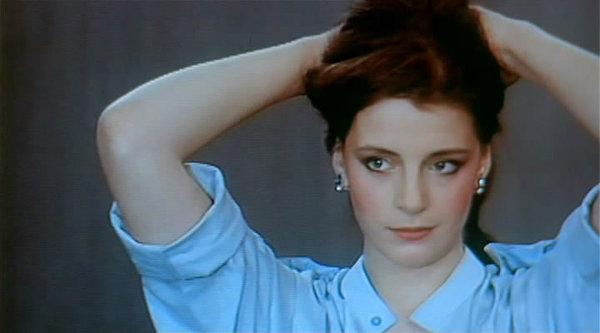 Щупают российские актрисы начинавшие с фильмов для взрослых секс