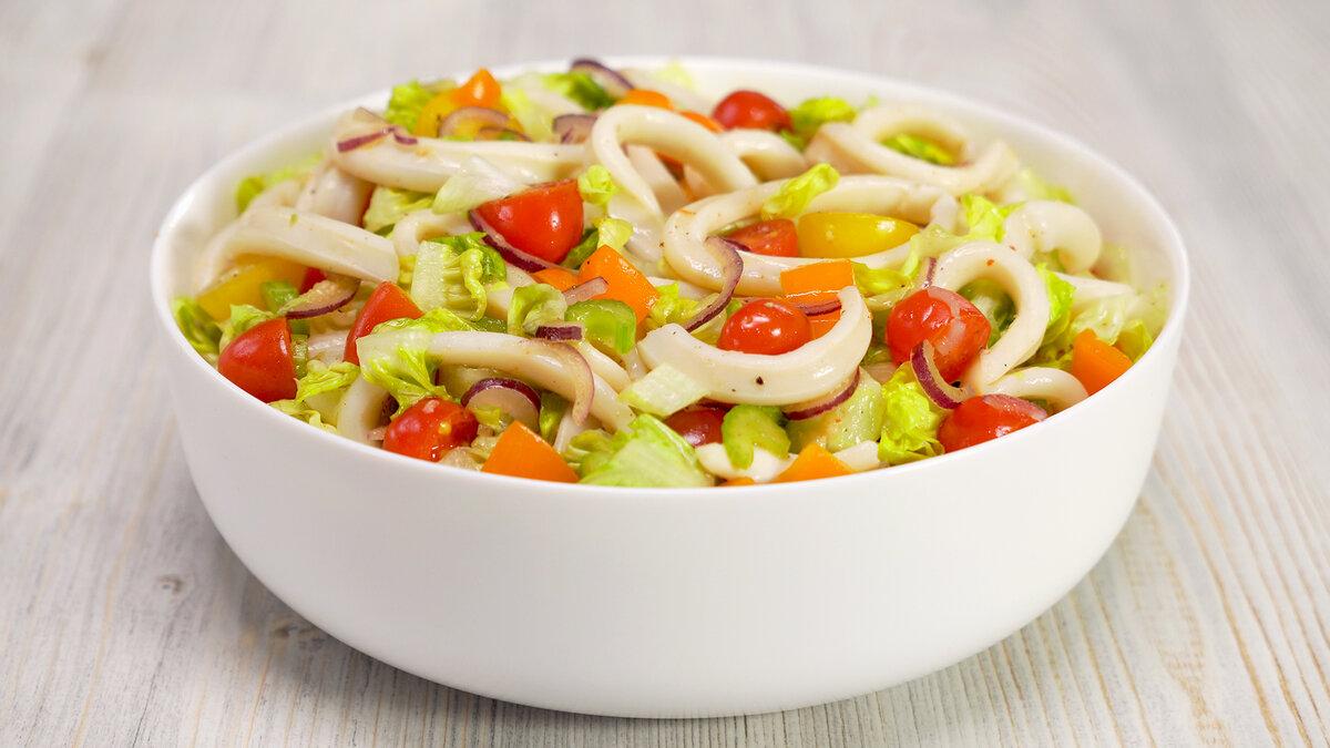 Теплый салат из кальмаров от Всегда Вкусно!
