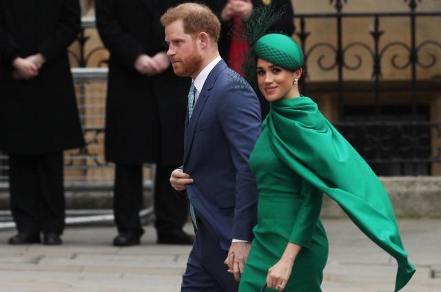 """""""В поисках свободы"""": Меган Маркл и принц Гарри выпустят книгу о королевской семье Новости"""