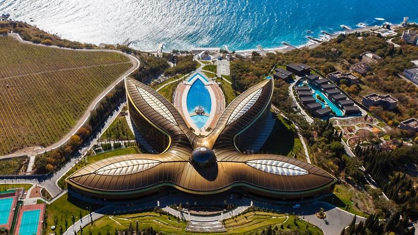 Лучший курорт в мире откроет ресторан «Черное море» на Кутузовском проспекте в Москве